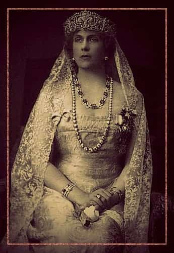 Queen Victoria Eugenia of Spain wearing her fleur-de-lis tiara