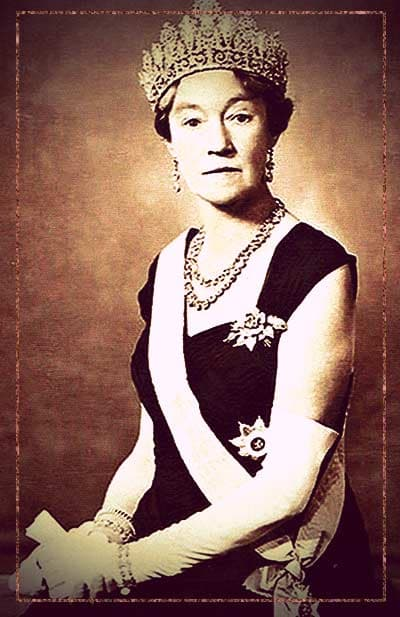 Grand Duchess Charlotte of Luxembourg wearing the Luxembourg Empire Tiara.