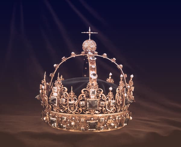 King Karl IX of Sweden's burial crown: a golden crown with four arched bands, topped with a circle and a cross | from Tiaras in the News 2019