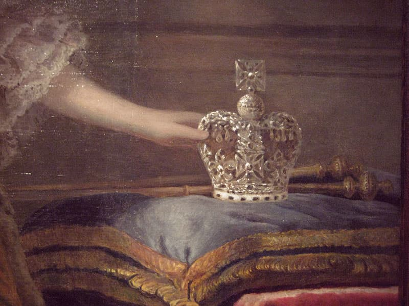Diamond crown with an ermine base, four arched tiers, and cross and orb on top.